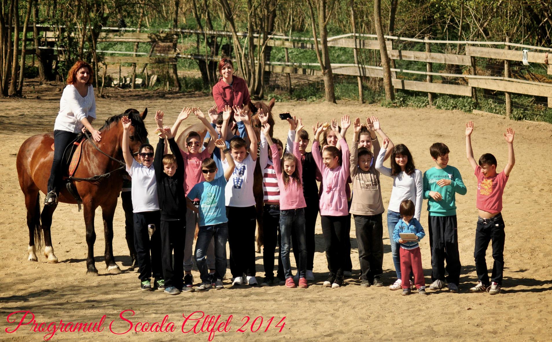 Tinerii au finalizat cu succes orele de echitaţie, din programul Şcoala Altfel 2014