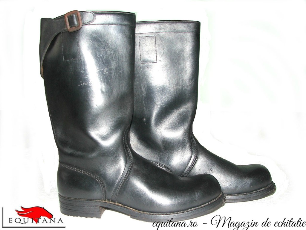 De vânzare: cizme de călărie